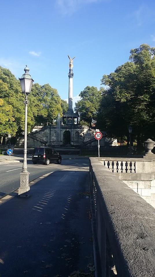 Die Münchner Siegessäule: Ein Friedensengel?